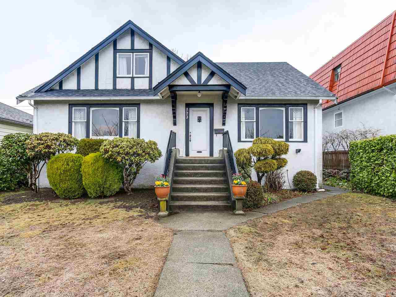 Main Photo: 2475 W 16TH Avenue in Vancouver: Kitsilano House for sale (Vancouver West)  : MLS(r) # R2143783