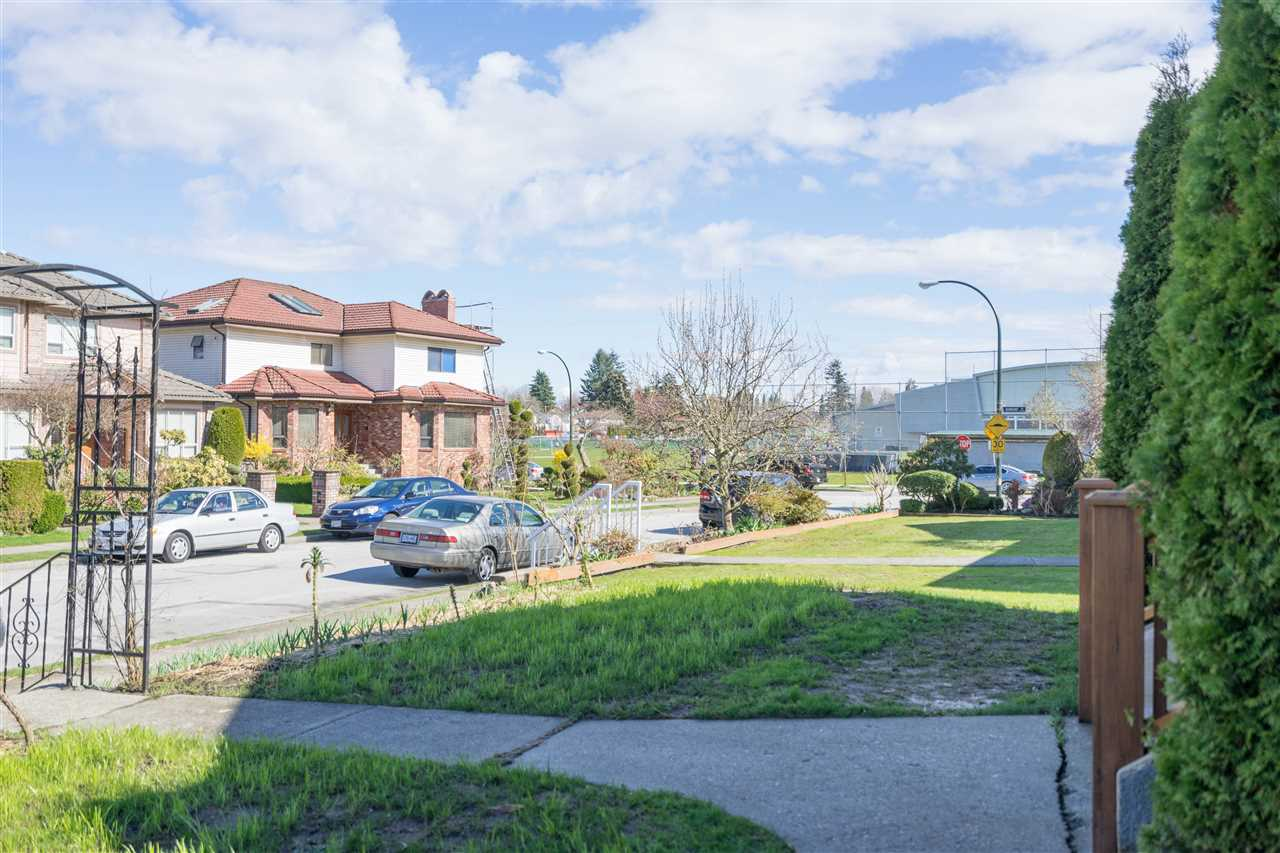 Photo 3: 250 NIGEL Avenue in Vancouver: Cambie House for sale (Vancouver West)  : MLS(r) # R2152192