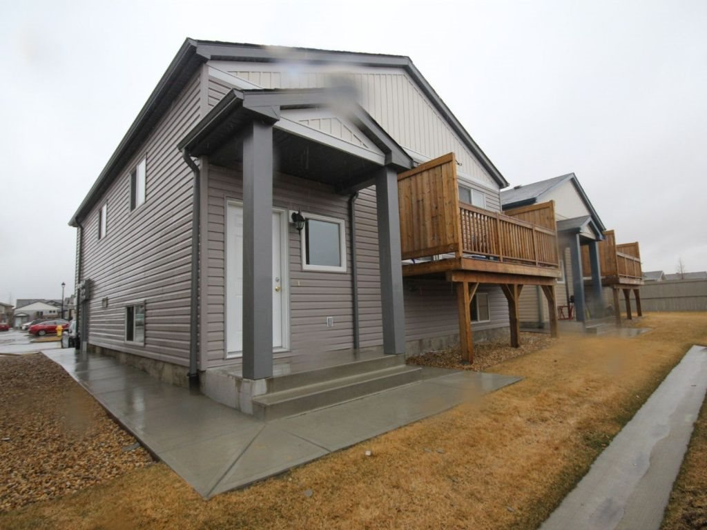Main Photo: : Leduc House Duplex for sale : MLS® # E4059987