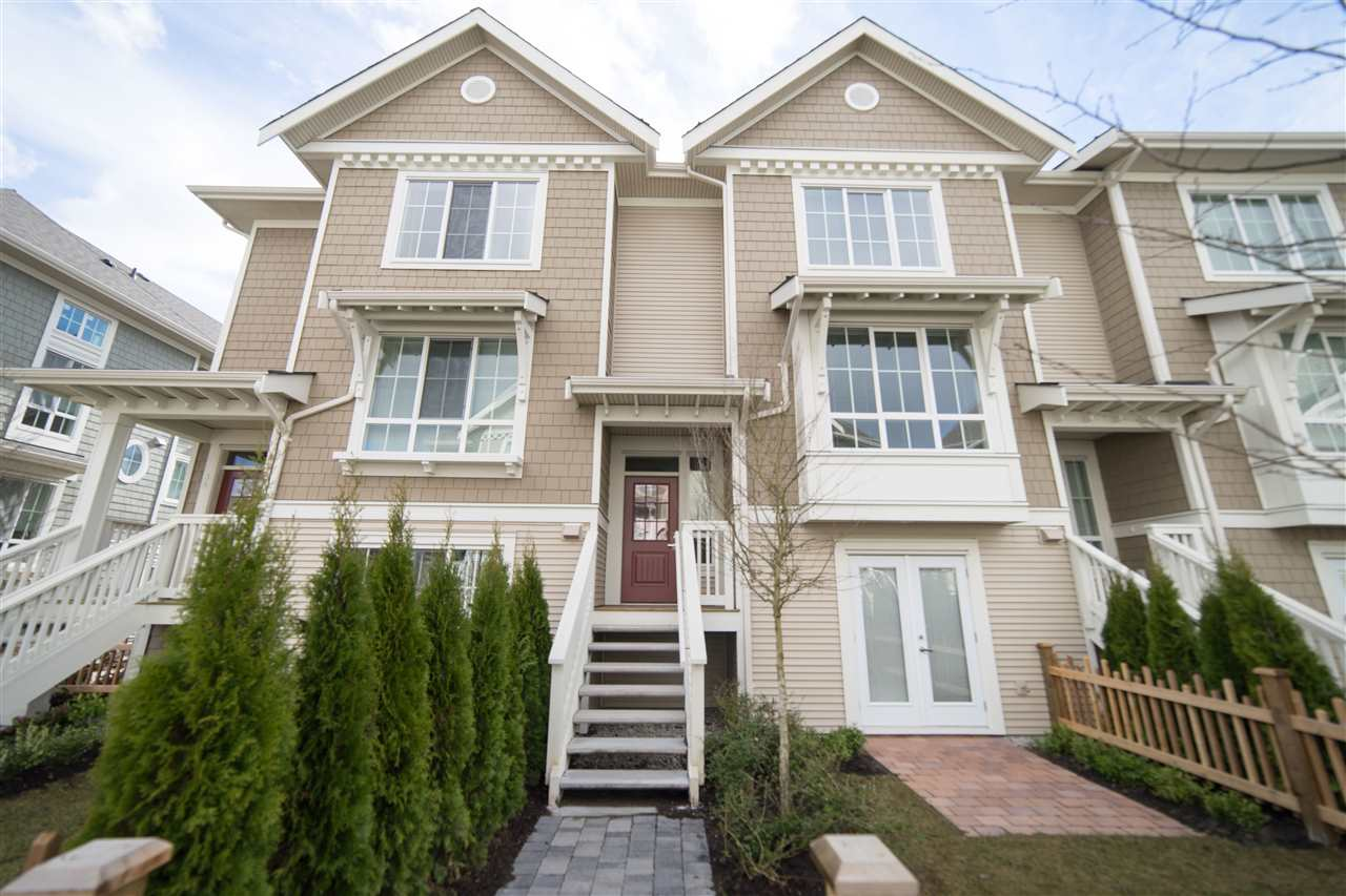"Main Photo: 33 5510 ADMIRAL Way in Ladner: Neilsen Grove Townhouse for sale in ""CHARTERHOUSE"" : MLS(r) # R2162346"