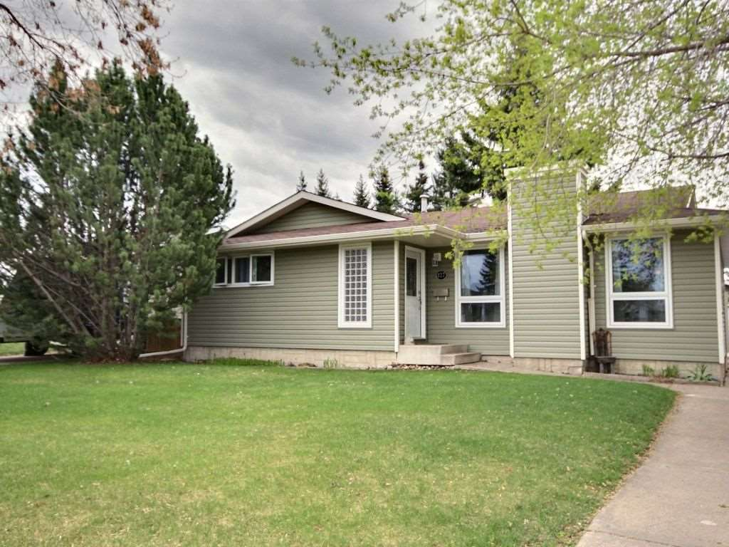 Main Photo: 127 Garnet Road: Sherwood Park House for sale : MLS(r) # E4064736