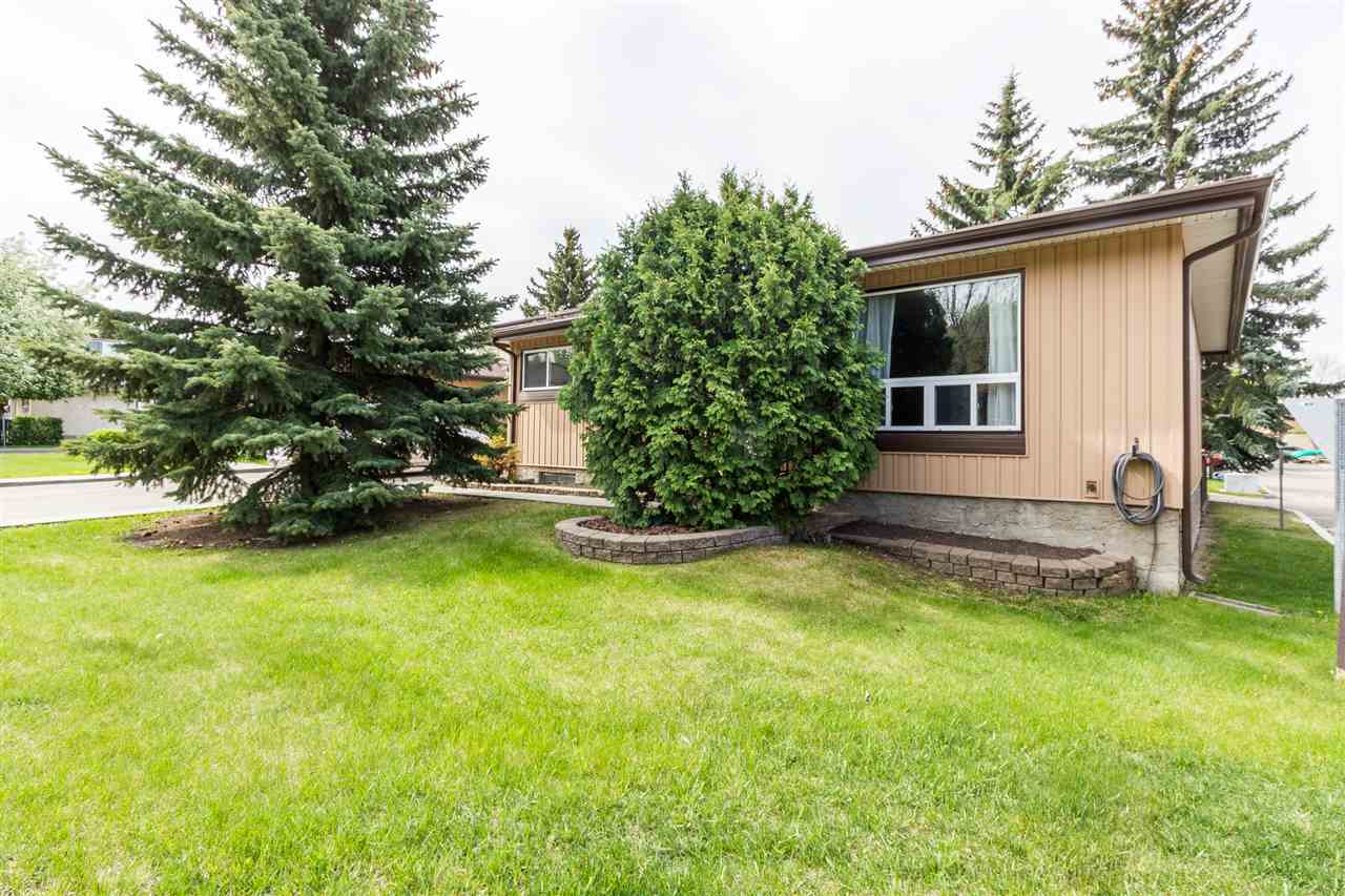 Main Photo: 527 KNOTTWOOD Road W in Edmonton: Zone 29 Townhouse for sale : MLS(r) # E4064774