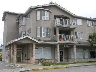 Main Photo: 306 5711 MERMAID Street in Sechelt: Sechelt District Condo for sale (Sunshine Coast)  : MLS® # R2171288