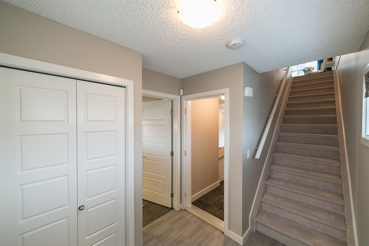 Photo 2:  in Edmonton: Zone 30 Townhouse for sale : MLS(r) # E4066727