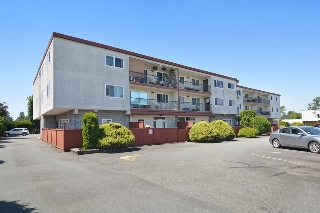 Main Photo: 301 3043 270 Street in Langley: Aldergrove Langley Condo for sale : MLS(r) # R2172326