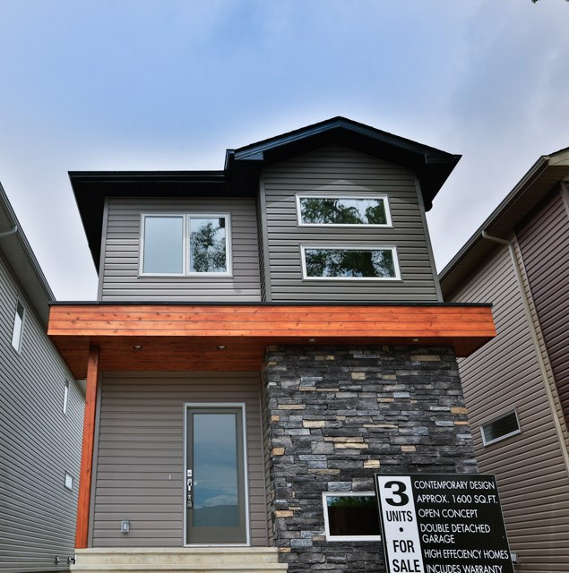 Main Photo: 3810 111 Avenue in Edmonton: Zone 23 House for sale : MLS(r) # E4068020