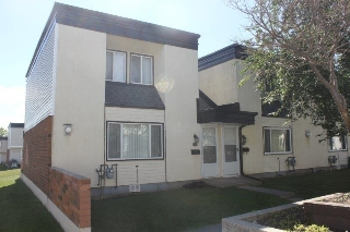 Main Photo:  in Edmonton: Zone 23 Townhouse for sale : MLS® # E4071140