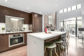 "Main Photo: 102 1241 HOMER Street in Vancouver: Yaletown Condo for sale in ""1241 HOMER"" (Vancouver West)  : MLS® # R2197441"
