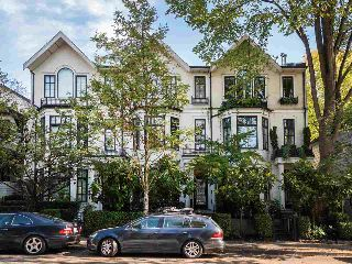 "Main Photo: 2574 VINE Street in Vancouver: Kitsilano Townhouse for sale in ""KITSILANO"" (Vancouver West)  : MLS® # R2212649"