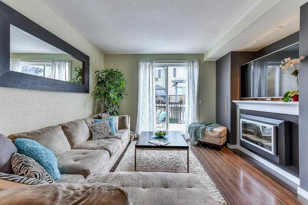 "Photo 3: Photos: 22 18983 72A Avenue in Surrey: Clayton Townhouse for sale in ""THE KEW"" (Cloverdale)  : MLS® # R2219905"