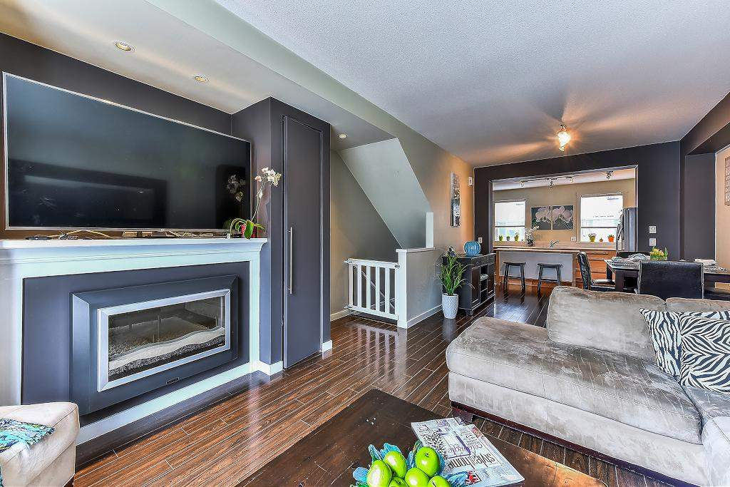 "Photo 1: Photos: 22 18983 72A Avenue in Surrey: Clayton Townhouse for sale in ""THE KEW"" (Cloverdale)  : MLS® # R2219905"