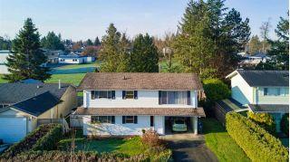 "Main Photo: 6105 175A Street in Surrey: Cloverdale BC House for sale in ""Cloverdale"" (Cloverdale)  : MLS® # R2230143"