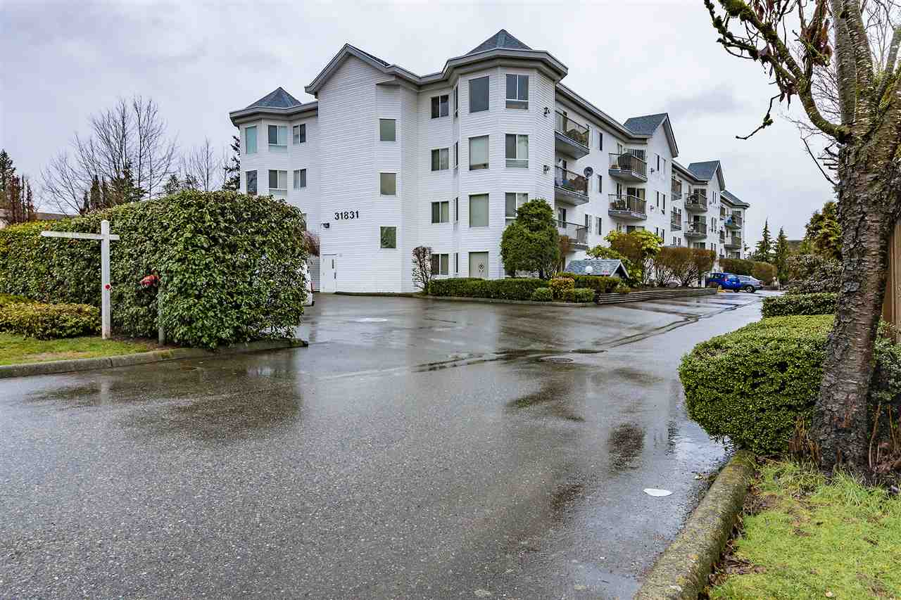 "Main Photo: 210 31831 PEARDONVILLE Road in Abbotsford: Abbotsford West Condo for sale in ""West Point Villa"" : MLS® # R2238136"