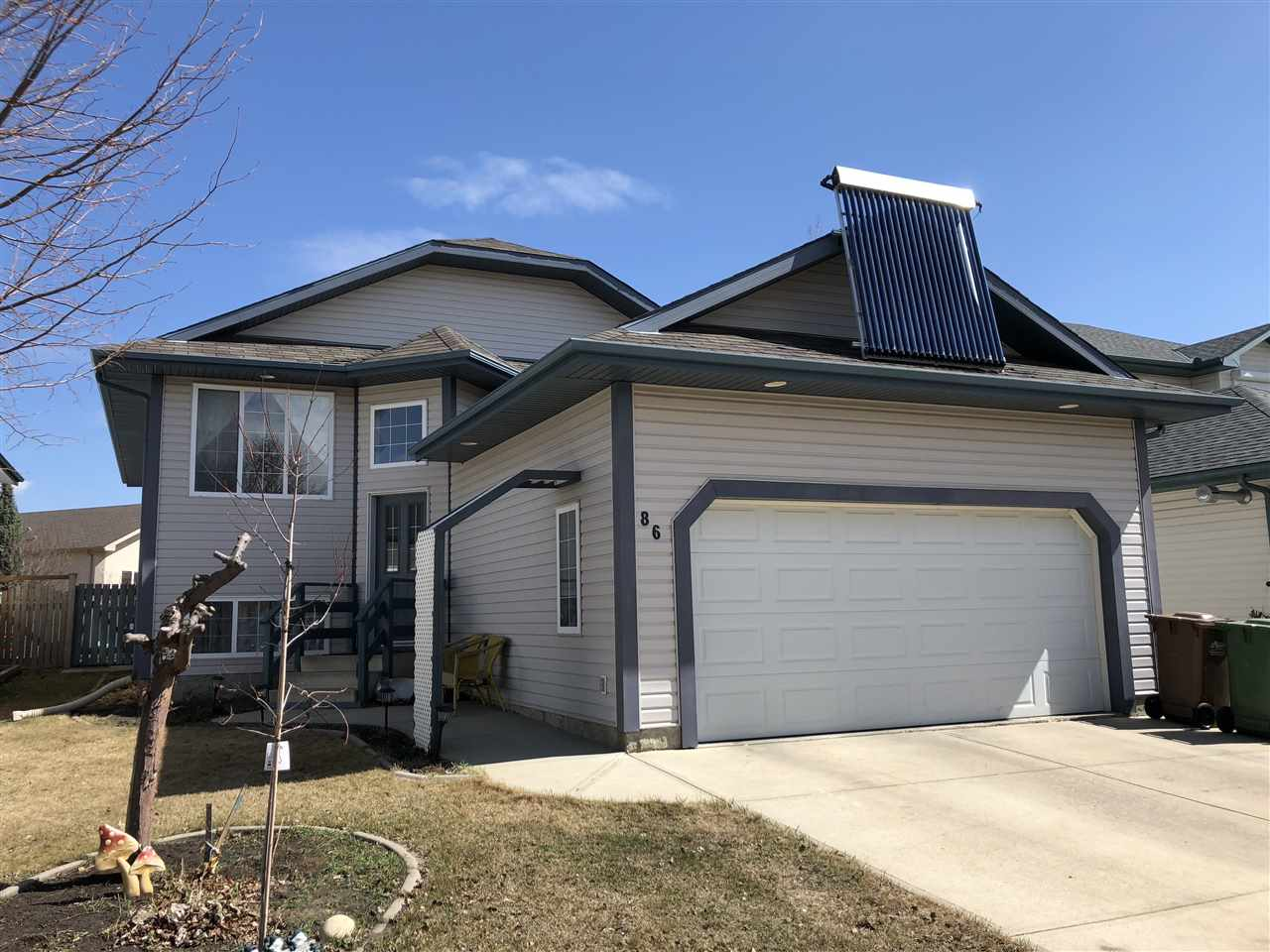 Main Photo: 86 OAKRIDGE Drive: St. Albert House for sale : MLS®# E4105443