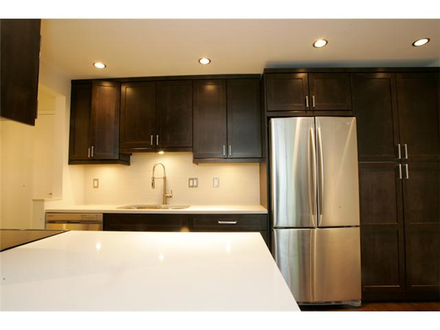 "Photo 3: 316 1345 W 15TH Avenue in Vancouver: Fairview VW Condo for sale in ""SUNRISE WEST"" (Vancouver West)  : MLS® # V884046"