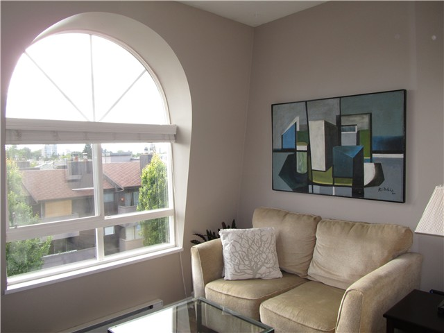 "Photo 8: 402 3278 HEATHER Street in Vancouver: Cambie Condo for sale in ""HEATHERSTONE"" (Vancouver West)  : MLS® # V906355"