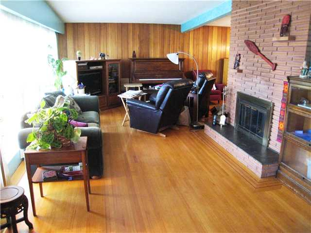 Photo 2: 823 CUMBERLAND ST in New Westminster: The Heights NW House for sale : MLS® # V953771