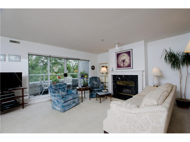 "Main Photo: 302 668 W 16TH Avenue in Vancouver: Cambie Condo for sale in ""The Mansions"" (Vancouver West)  : MLS(r) # V1029254"