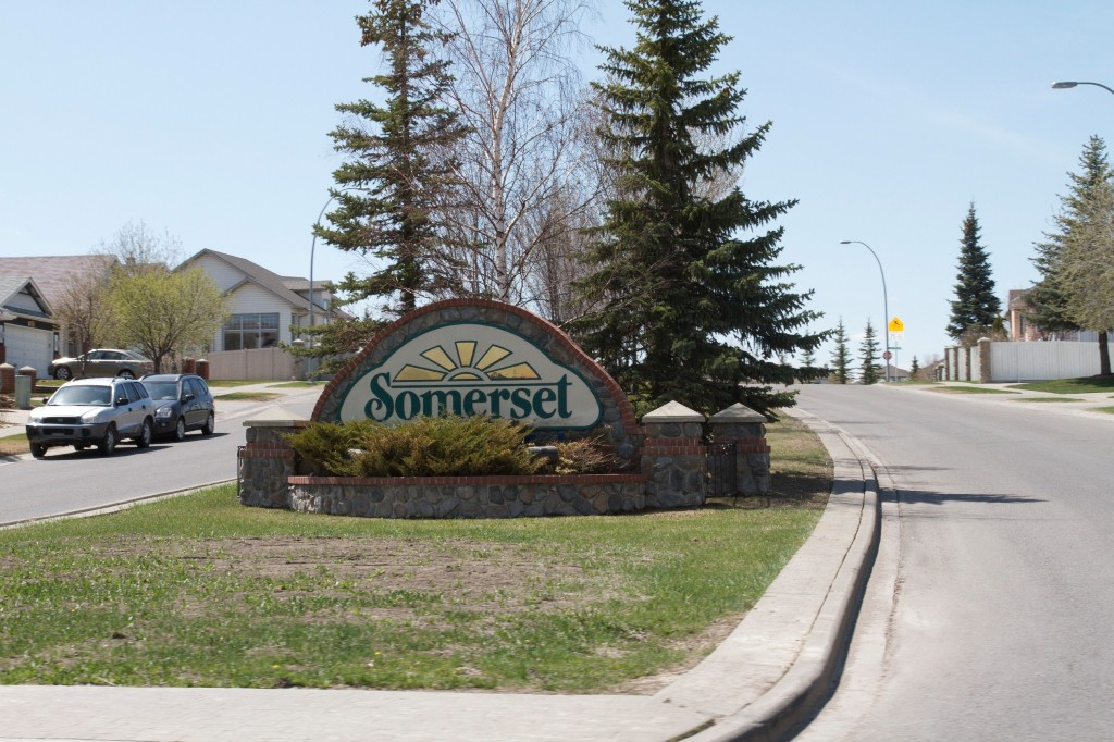 Photo 6: 96 SOMERCREST Close SW in CALGARY: Somerset Residential Detached Single Family for sale (Calgary)  : MLS(r) # C3605477