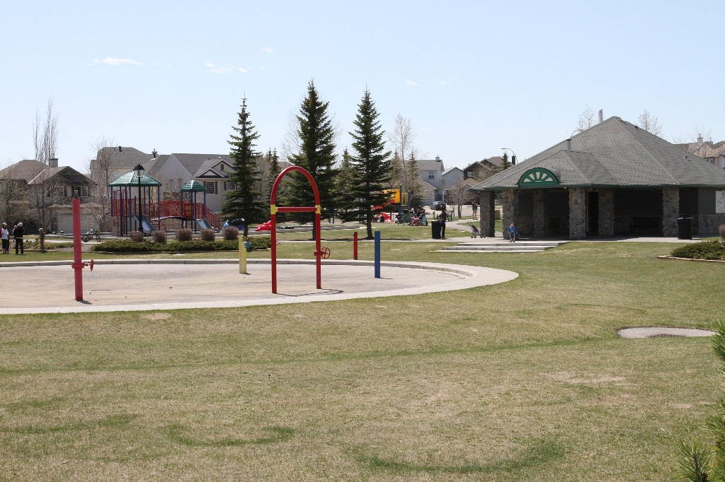 Photo 2: 96 SOMERCREST Close SW in CALGARY: Somerset Residential Detached Single Family for sale (Calgary)  : MLS(r) # C3605477