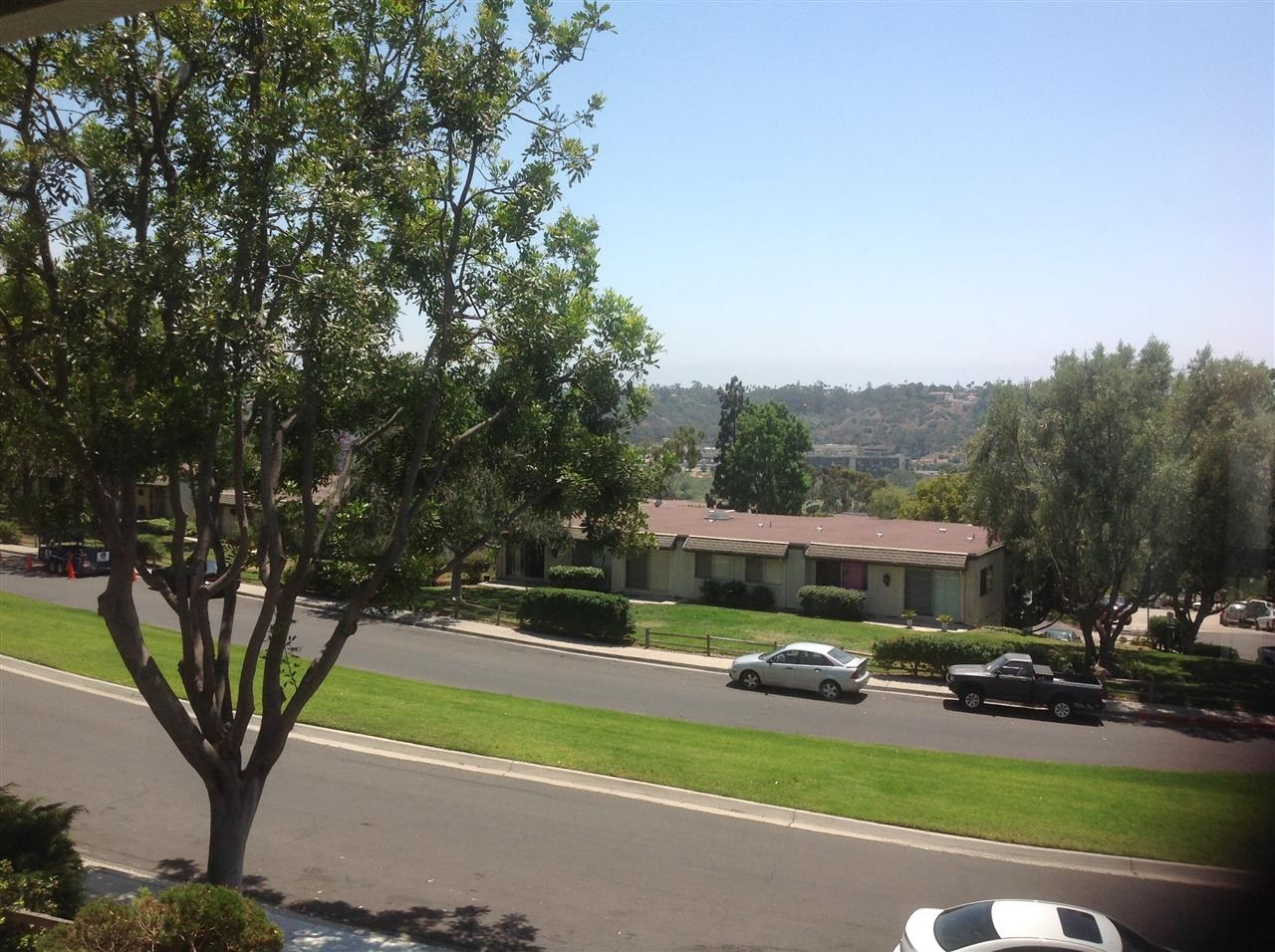 Photo 2: MISSION VALLEY Townhome for sale : 2 bedrooms : 6347 Caminito Telmo in San Diego