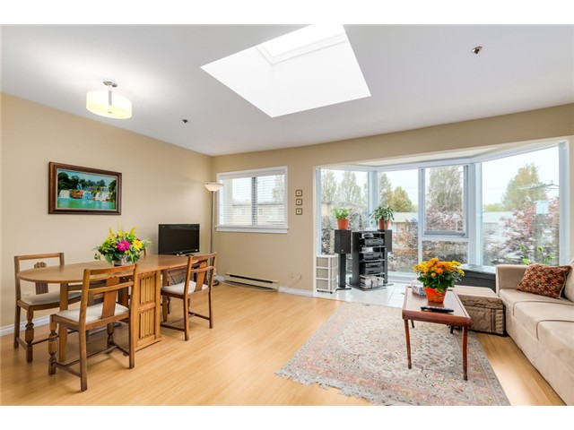 Photo 2: PH8 2238 ETON Street in Vancouver: Hastings Condo for sale (Vancouver East)  : MLS® # V1097894