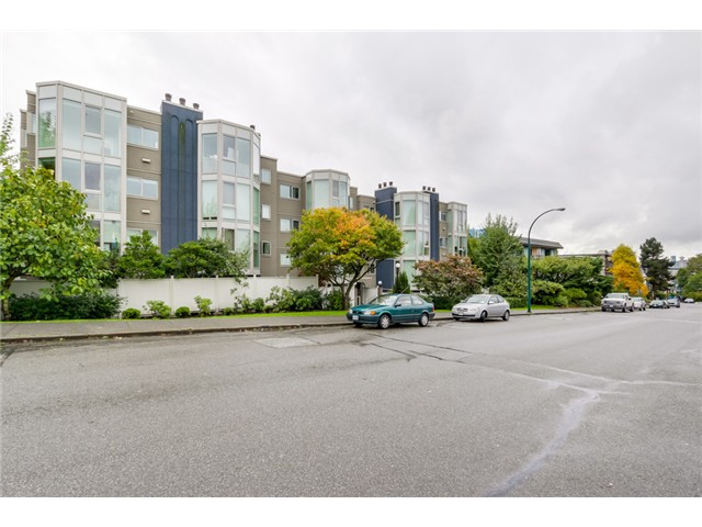 Main Photo: PH8 2238 ETON Street in Vancouver: Hastings Condo for sale (Vancouver East)  : MLS® # V1097894