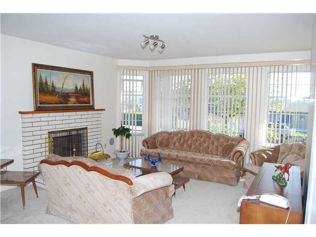 Photo 16: 4779 UNION Street in Burnaby: Capitol Hill BN House for sale (Burnaby North)  : MLS® # V1117674