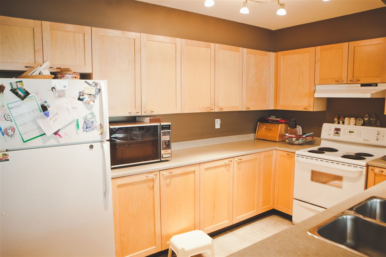 "Photo 3: 315 7383 GRIFFITHS Drive in Burnaby: Highgate Condo for sale in ""18 TREES"" (Burnaby South)  : MLS® # R2046585"