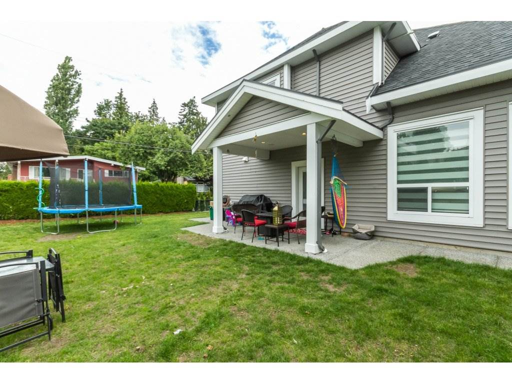 Photo 19: 2153 EBONY Street in Abbotsford: Central Abbotsford House for sale : MLS® # R2093755