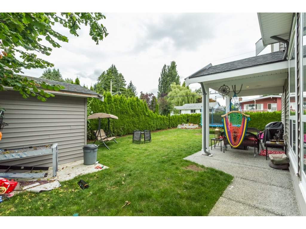 Photo 20: 2153 EBONY Street in Abbotsford: Central Abbotsford House for sale : MLS® # R2093755
