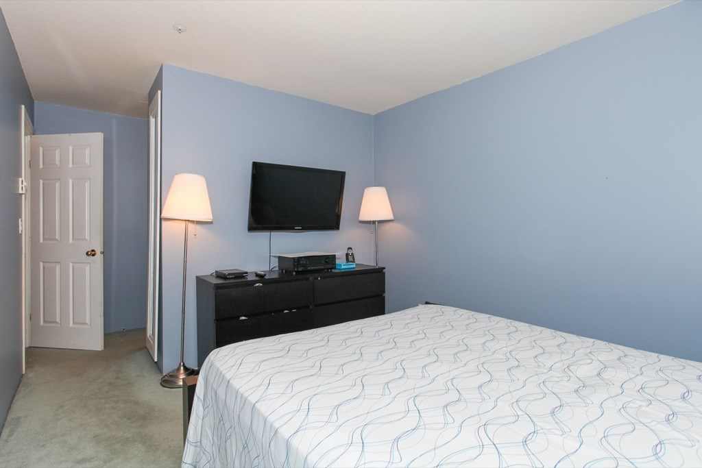 "Photo 13: 305 1519 GRANT Avenue in Port Coquitlam: Glenwood PQ Condo for sale in ""The Beacon"" : MLS(r) # R2111528"