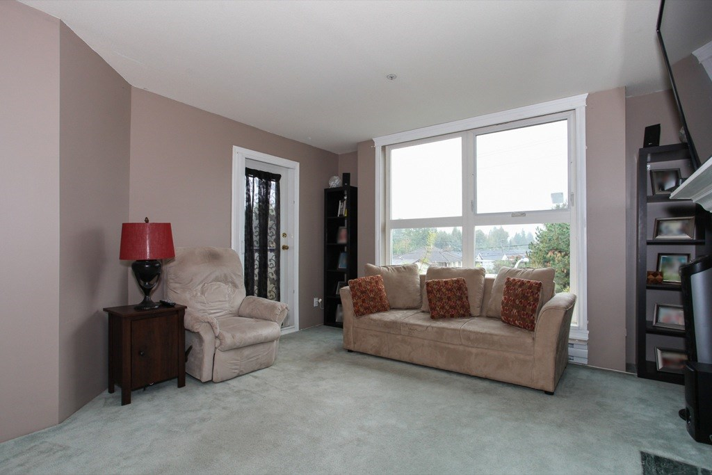 "Photo 4: 305 1519 GRANT Avenue in Port Coquitlam: Glenwood PQ Condo for sale in ""The Beacon"" : MLS(r) # R2111528"