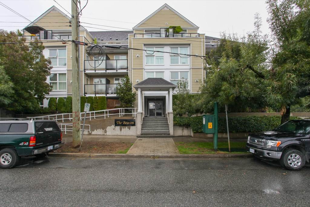 "Main Photo: 305 1519 GRANT Avenue in Port Coquitlam: Glenwood PQ Condo for sale in ""The Beacon"" : MLS® # R2111528"