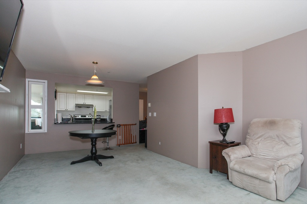"Photo 6: 305 1519 GRANT Avenue in Port Coquitlam: Glenwood PQ Condo for sale in ""The Beacon"" : MLS(r) # R2111528"
