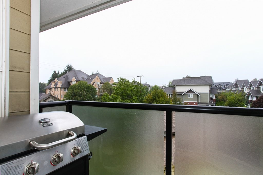 "Photo 19: 305 1519 GRANT Avenue in Port Coquitlam: Glenwood PQ Condo for sale in ""The Beacon"" : MLS(r) # R2111528"