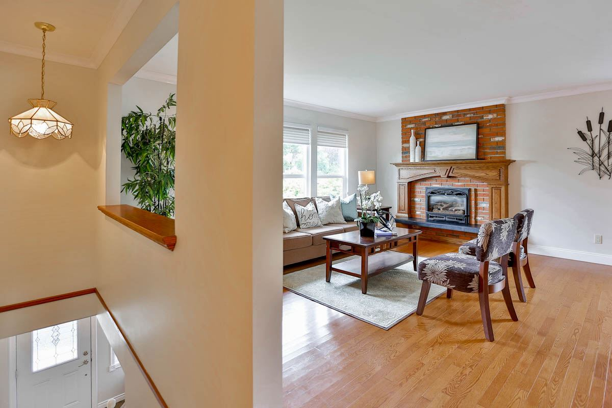 Photo 3: 1494 133A Street in Surrey: Crescent Bch Ocean Pk. House for sale (South Surrey White Rock)  : MLS® # R2123774
