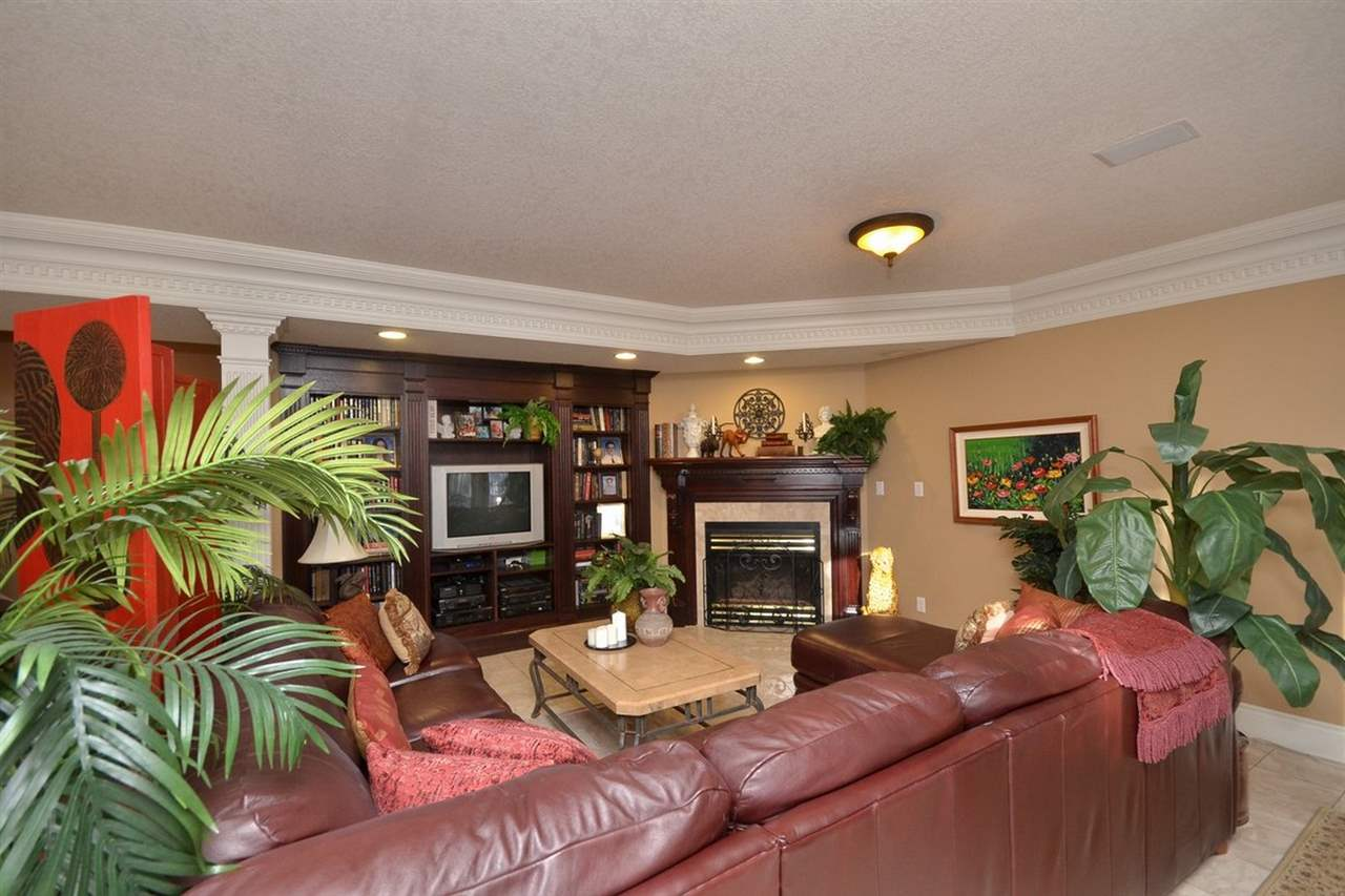 Photo 23: 1494 WELBOURN Drive in Edmonton: Zone 20 House for sale : MLS(r) # E4047595