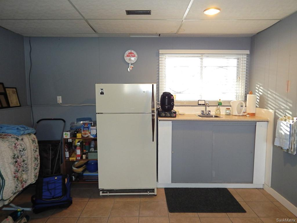 Wet bar could be converted to kitchen