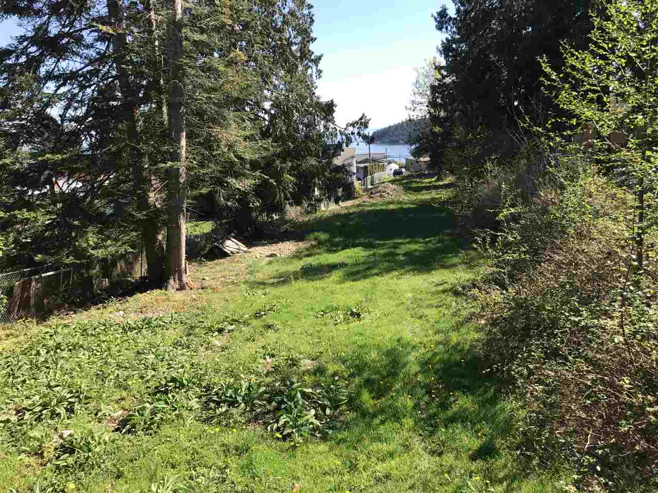 Photo 2: 6220 SUNSHINE COAST Highway in Sechelt: Sechelt District House for sale (Sunshine Coast)  : MLS(r) # R2140615