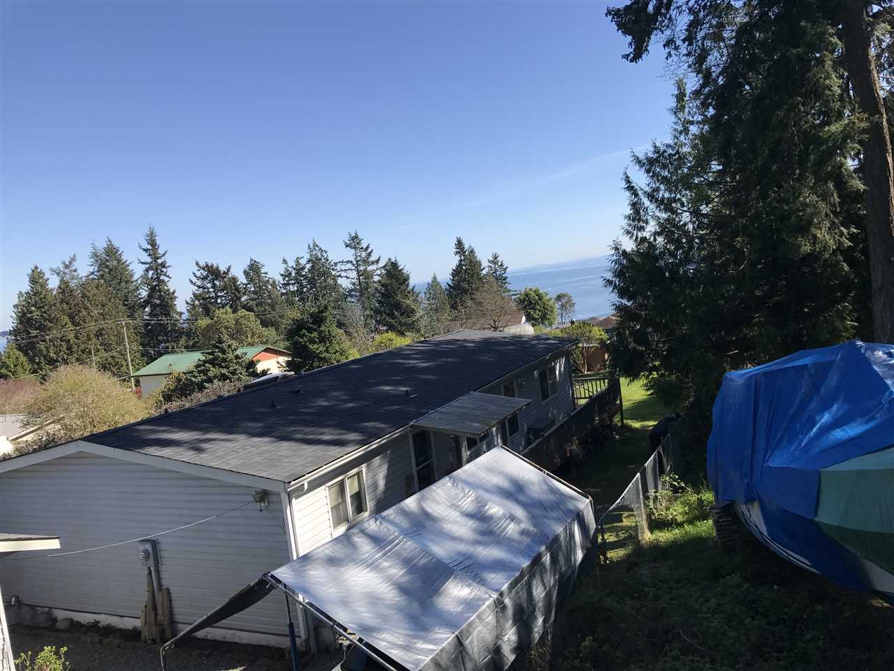 Photo 3: 6220 SUNSHINE COAST Highway in Sechelt: Sechelt District House for sale (Sunshine Coast)  : MLS(r) # R2140615