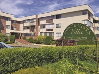 "Main Photo: 101 33369 OLD YALE Road in Abbotsford: Central Abbotsford Condo for sale in ""Monte Vista Villas"" : MLS(r) # R2148515"