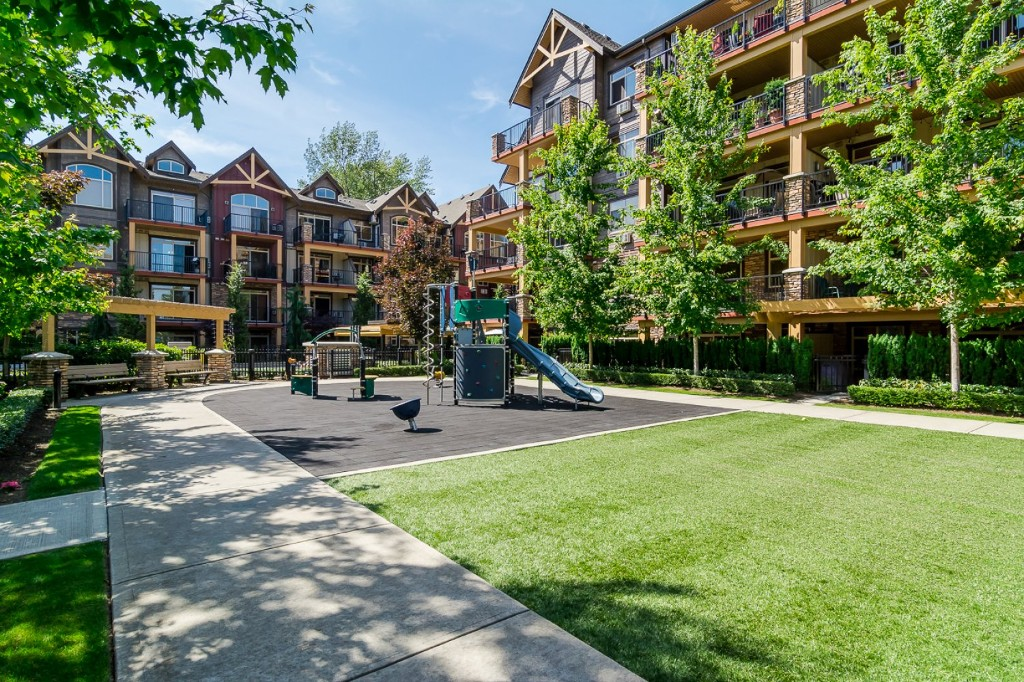 "Photo 20: 316 8328 207A Street in Langley: Willoughby Heights Condo for sale in ""Yorkson Creek Park"" : MLS(r) # R2150359"