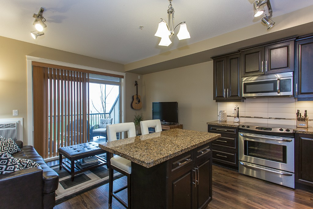 "Photo 7: 316 8328 207A Street in Langley: Willoughby Heights Condo for sale in ""Yorkson Creek Park"" : MLS(r) # R2150359"