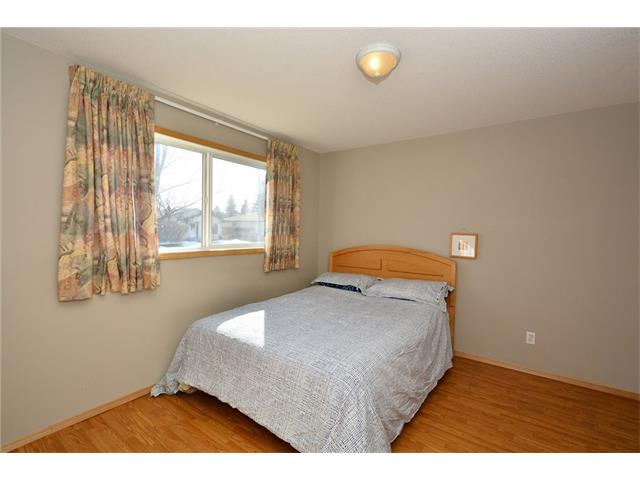 Photo 20: 6639 Pinecliff Grove NE in Calgary: Pineridge House for sale : MLS(r) # C4107612