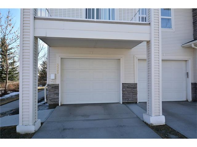 Photo 2: 6639 Pinecliff Grove NE in Calgary: Pineridge House for sale : MLS(r) # C4107612