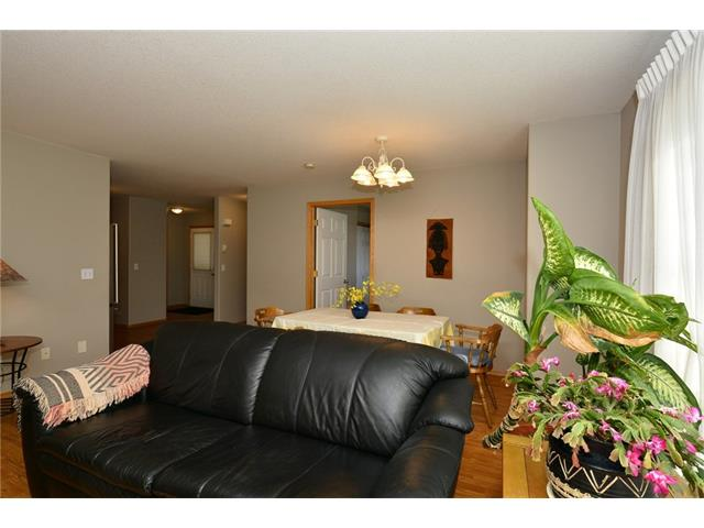 Photo 17: 6639 Pinecliff Grove NE in Calgary: Pineridge House for sale : MLS(r) # C4107612