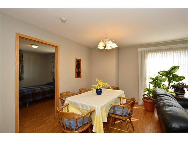 Photo 12: 6639 Pinecliff Grove NE in Calgary: Pineridge House for sale : MLS(r) # C4107612