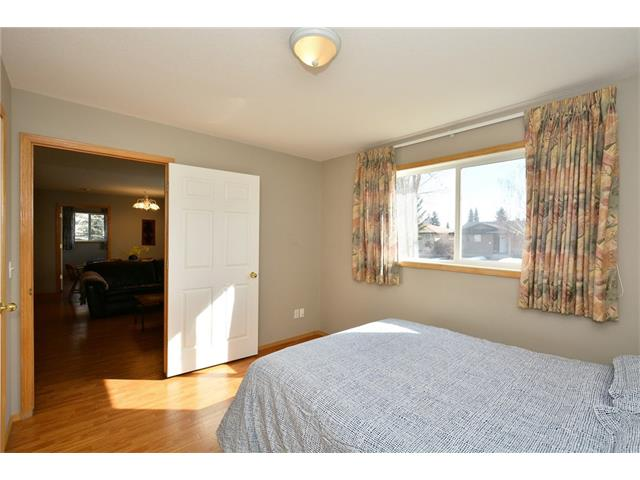 Photo 22: 6639 Pinecliff Grove NE in Calgary: Pineridge House for sale : MLS(r) # C4107612