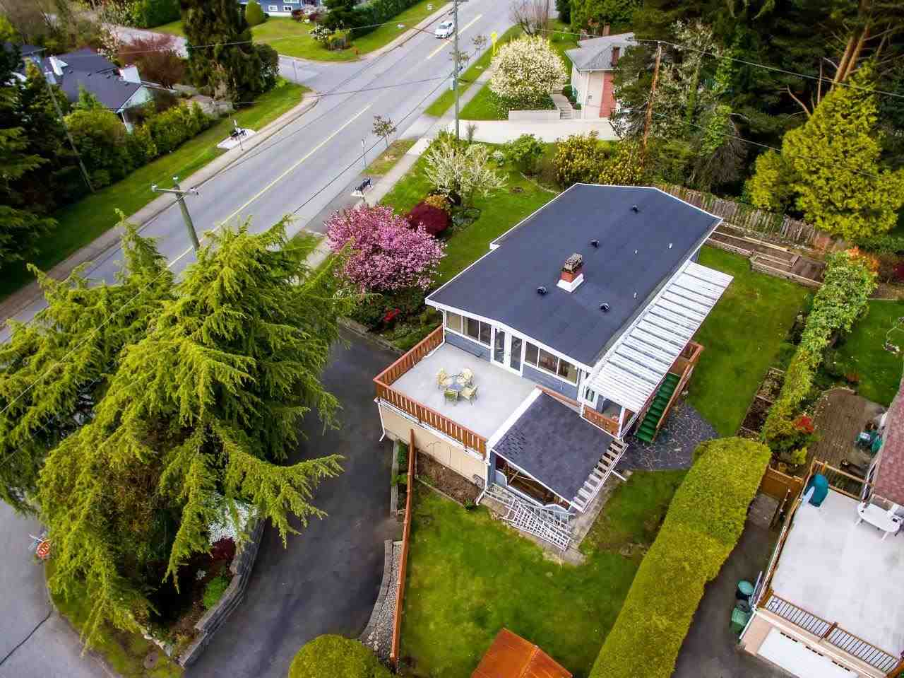 Photo 2: 3532 DELBROOK Avenue in North Vancouver: Delbrook House for sale : MLS(r) # R2163103
